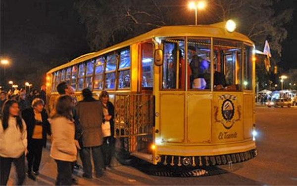 New in Rosario (Argentina) - tourist tram to go sightseeing around the city!