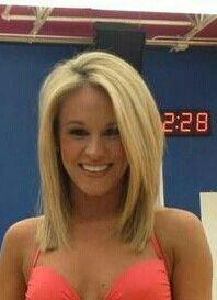 Cowboys cheerleader, medium length blonde hair with volume