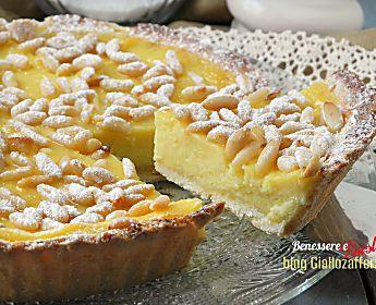 Torta della nonna ricetta dolce con crema e pinoli
