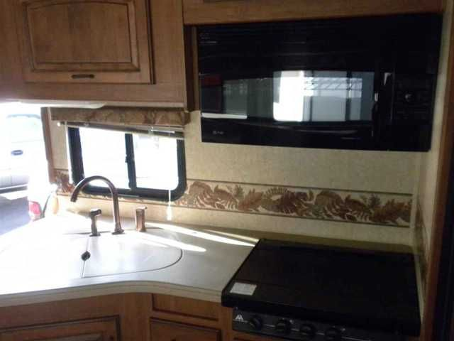 2007 Used Seneca Super C 34FT DIESEL 2 SLIDES Class C in Oregon OR.Recreational Vehicle, rv, 2007 SENECA SUPER C 34FT DIESEL 2 SLIDES, VERY CLEAN 2007 SENECA DURAMAX DIESEL WITH 28K MILES.IT HAS A POWER AWNING,NEW TIRES,ALCOA WHEELS,6000 ONAN DIESEL GEN,50 AMP SERVICE,O/S SHOWER,CONVECTION/MICROWAVE COMBO,3 BURNER COOK TOP,2 UPGRADED FLAT SCREEN TVS,2 BLUE RAYS ,YAMAHA TUNER,ENCLOSED HEATED TANKS.SLEEPS 6