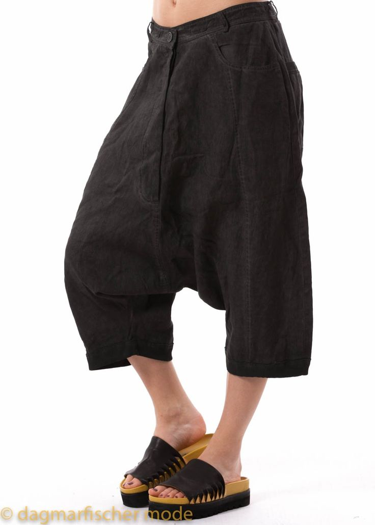 Summerly linen pants by RUNDHOLZ BLACK LABEL in shark or sea - dagmarfischermode.de    #pants #linen #summerly #shark #sea #rundholz #blacklabel #rundholzblacklabel #designer #german #fashion #style #stylish #styles #outfit #shopping #dagmarfischermode #shop #spring #summer