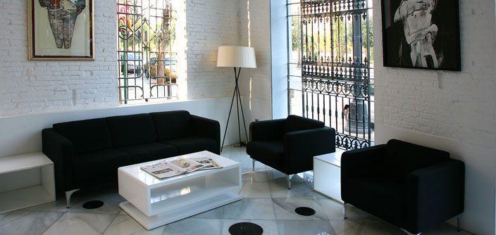 Espacios llenos de luz donde encontrarte a gusto. El hotel ACta del Carmen en Valencia goza de un diseño moderno y acogedor.