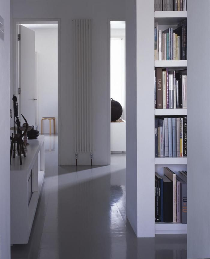 Remodelista-Openstudio-Architecture-London-loft-like-living-Victorian-House-gray-rubber-tile-floor
