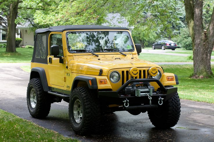 """Have a Yellow Jeep Wrangler? Join the club on Facebook: """"Yellow Jeep Club"""""""