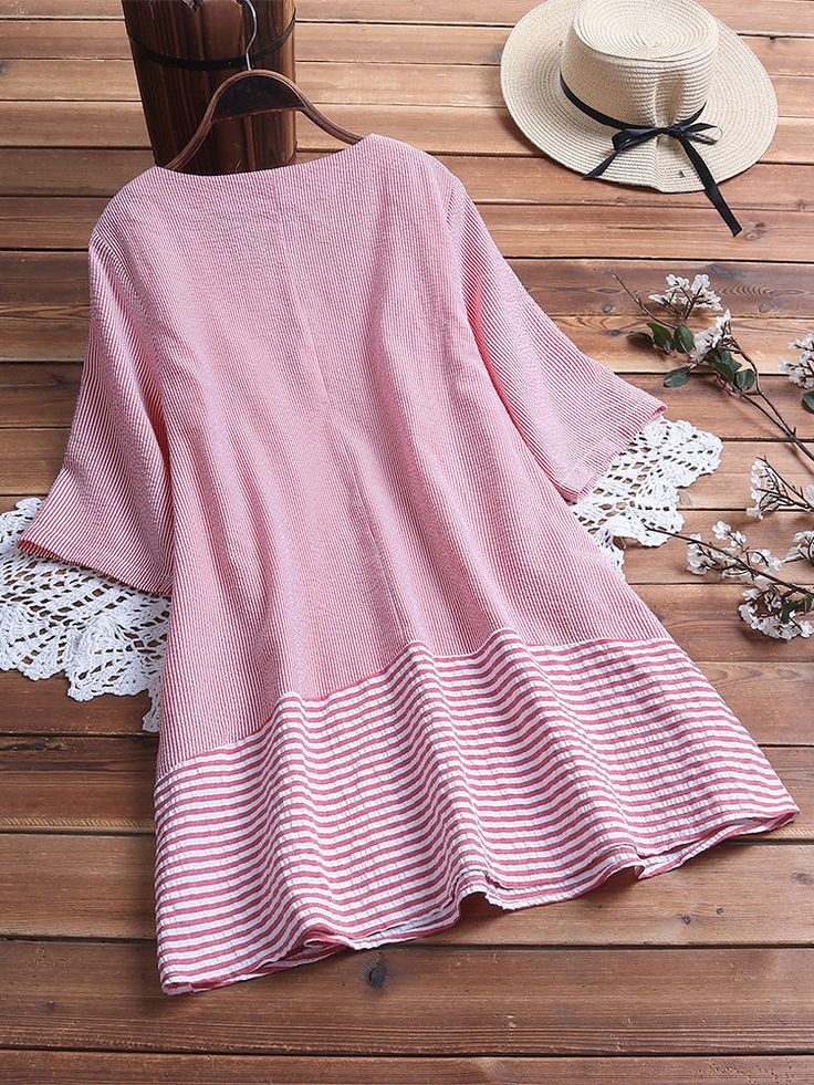 Casual Striped Patchwork V-neck 3/4 Sleeve Plus Size Blouse 3
