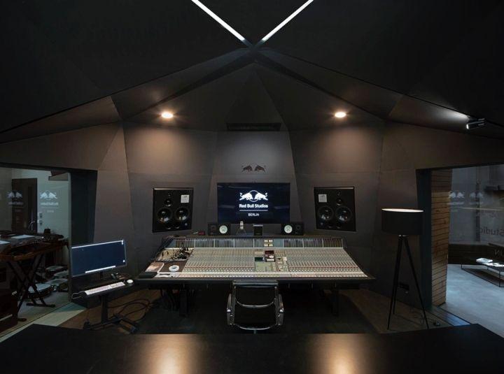 Дизайн студии звукозаписи Red Bull