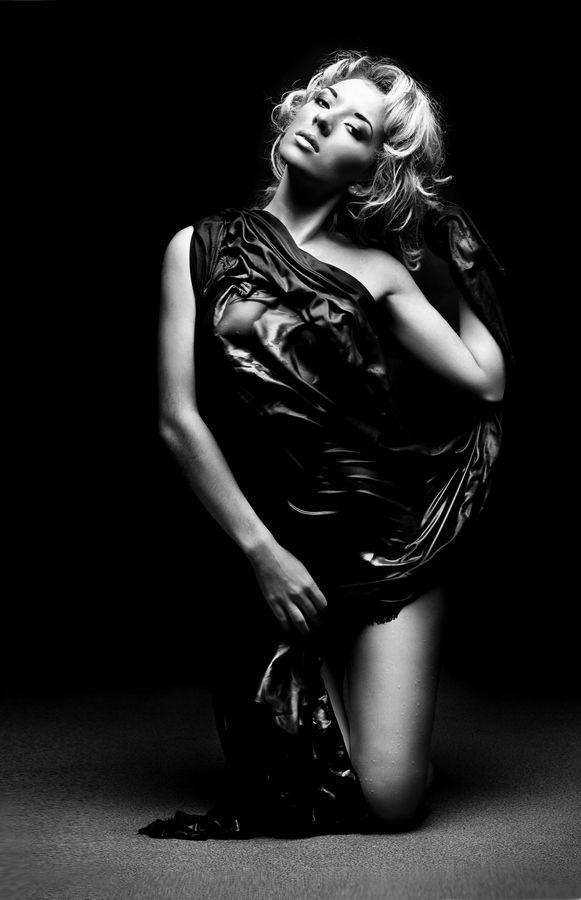 black-owman-nude-dest-milkphoto
