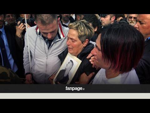 """Attualià: #Omicidio #Alatri lo #stranziate pianto della mamma di Emanuele durante il funerale: """"Eccolo qua i... (link: http://ift.tt/2nrMyEU )"""