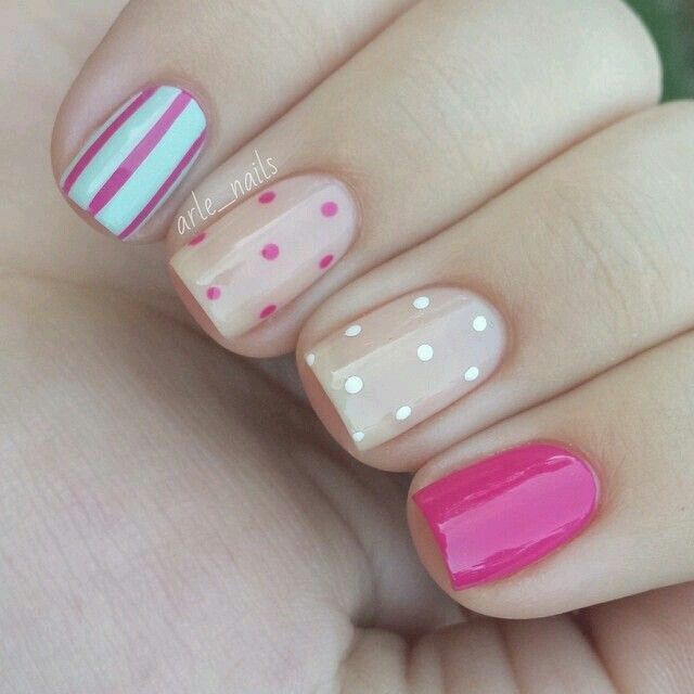 Puntos blanco y rosa