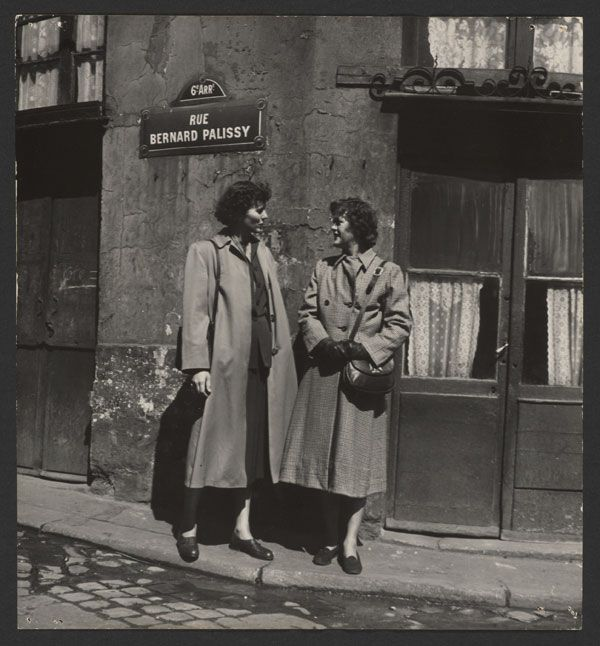 Julia and her sister  Dort in paris, 1950