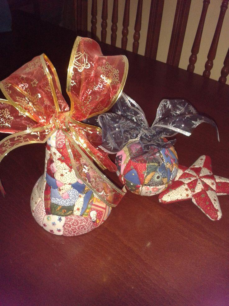 Campana y bolas navidad
