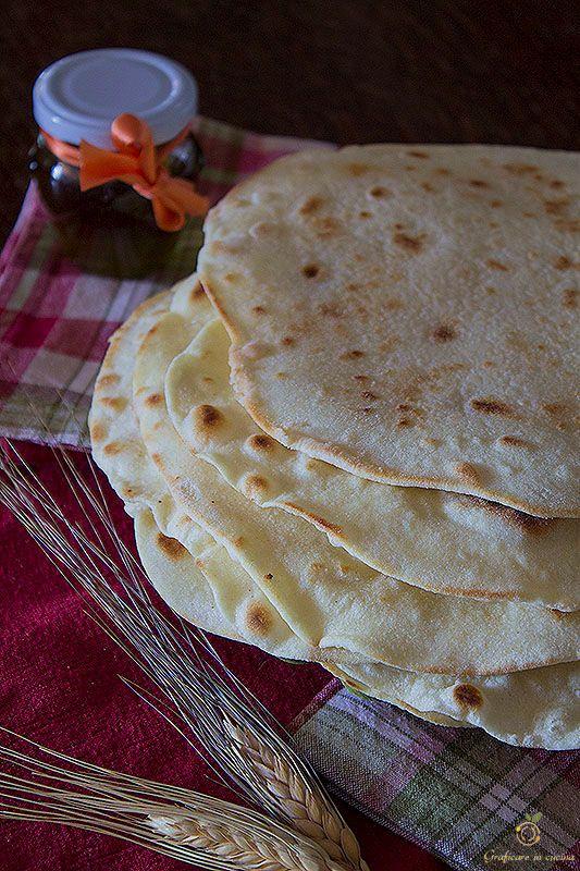 Tortillas di farina ricetta base http://blog.giallozafferano.it/graficareincucina/tortillas-di-farina-ricetta-base/