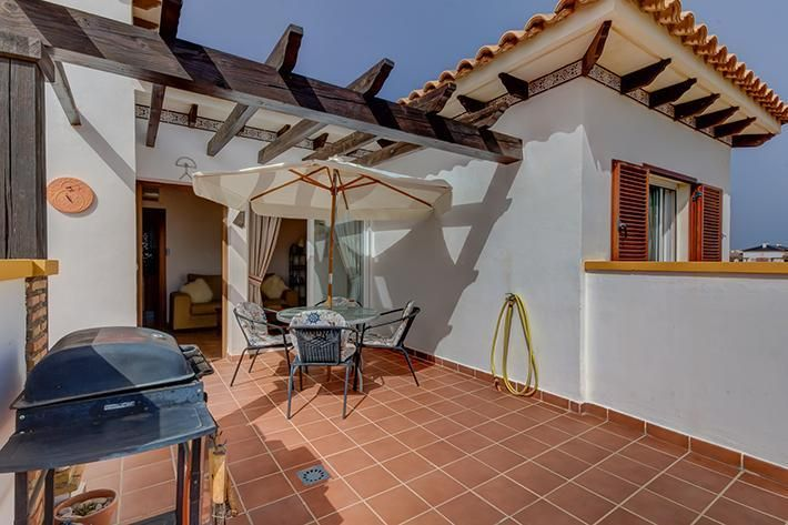 penthouse in a very well tended private urbanisatio- Vera€79000