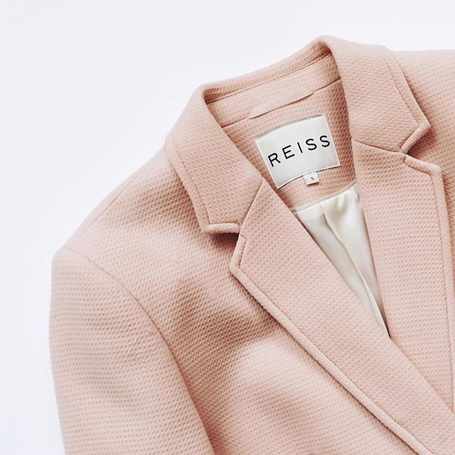 Beautiful Reiss jacket, available in our webshop (link in bio) 🍥#blgshp #reiss #jacket