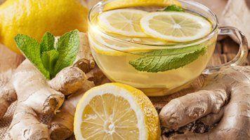 Acqua calda e limone al mattino, a stomaco vuoto, possono essere un toccasana per il nostro organismo. Ancora di più se si aggiunge anche un pezzetto di curcuma...