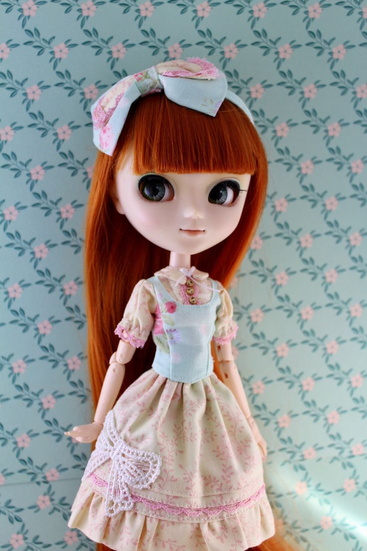 Sweet lolita dress for pullip by MotaDeAlgodon on Etsy https://www.etsy.com/listing/493424262/sweet-lolita-dress-for-pullip
