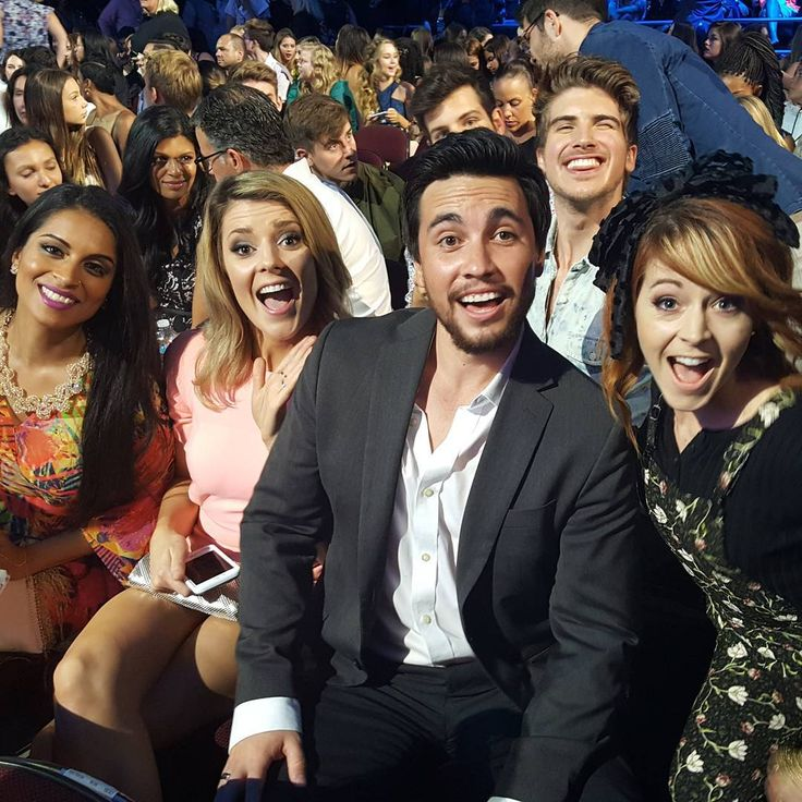 lindseystirlingWith some of my faves. Give some love to @gracehelbig and @iisuperwomanii for #choicewebstarfemale and @joeygraceffa for #ChoiceWebStarmale
