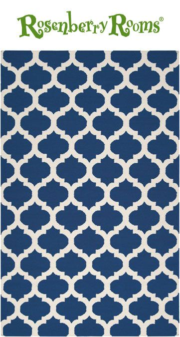 This trendy rug features a contemporary white and blue trellis pattern.  The Frontier rug collection offers fashionable, earth-toned rugs in 100% wool, perfect for eco-friendly families who appreciate the natural look. These