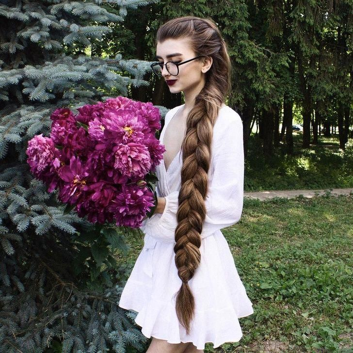 23 People Who Rock Their Glorious Hairstyles Gifted by Nature #longhair