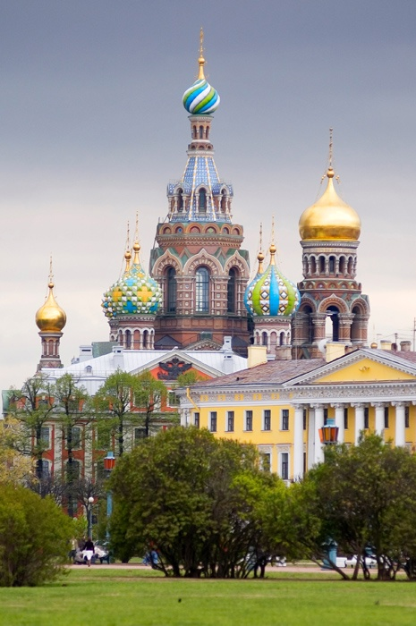 A virtual tour examining the scenes of the five most legendary crimes in the history of St. Petersburg, from Mikhailovsky Castle to the Angleterre Hotel. 2. The grand, elegant structure of the Church of the Saviour on Spilt Blood - built in traditional Russian style in emulation of Vasily Blazhenny Cathedral on Red Square - stands in sharp contrast to the sad event it was built to commemorate.