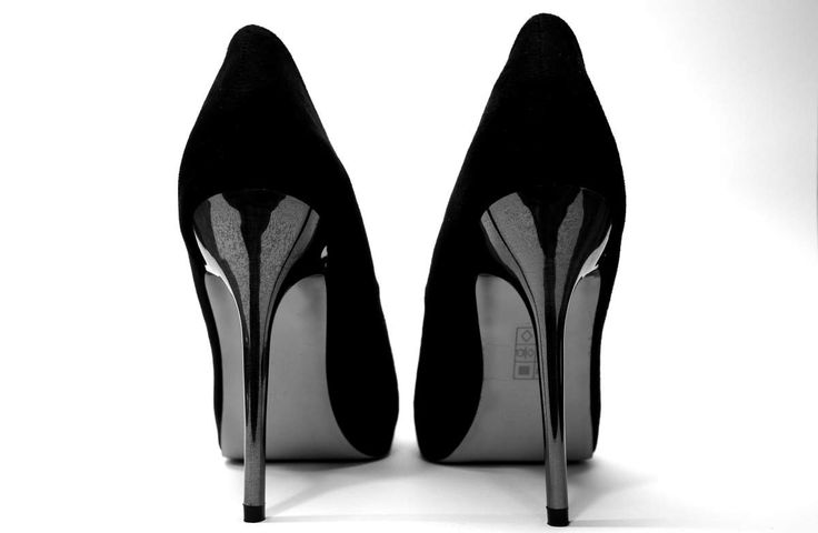 They're bad for the feet and bad for the back, but high heels do wonders for sex appeal a new study in the journal Archives of Sexual Behavior proves that men really do find women in high heels significantly sexier.