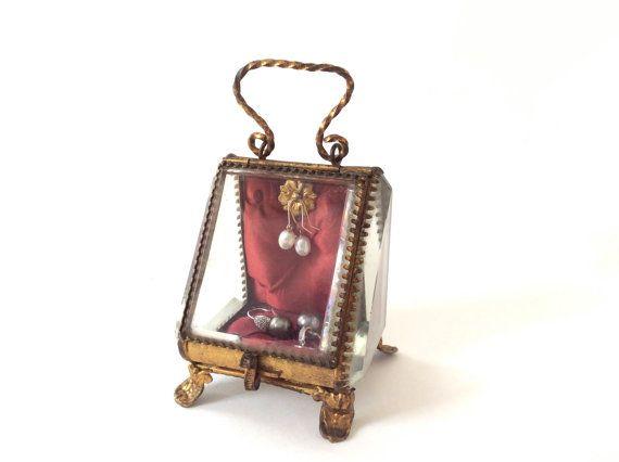 Boite à bijoux ancienne verre biseauté . Porte  par 7RueStAntoine