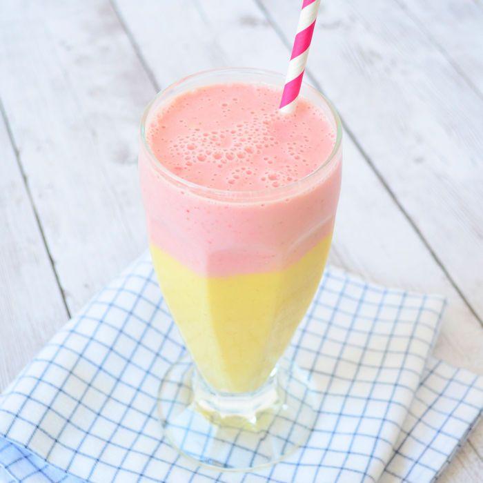 Ik maakte een mango aardbei smoothie met de Bosch Silent Mixx blender. Ik geef je het recept en een review van deze stille blender, inclusief video!