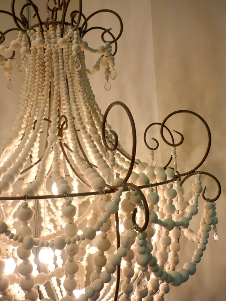 Hellooow Shine chandelier detail