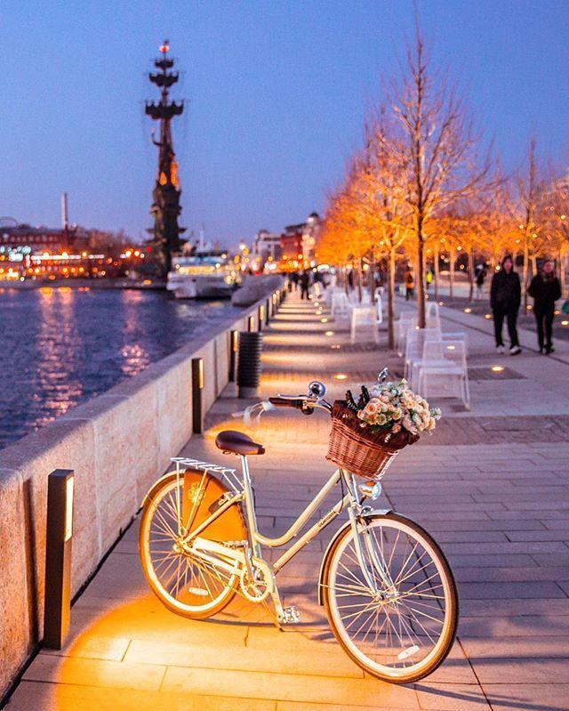 Сладких всем снов) а малыш этот не мой, подруги) Москва #велокаменная, всё, как я люблю! 🙏🏻 @velokamennaya_msk