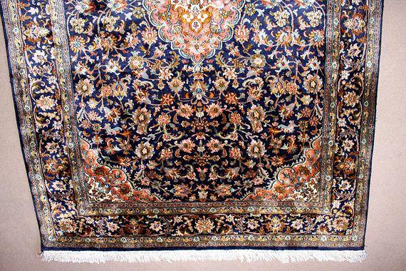 Vintage Carpet/ Rug silk carpet Persian design Ru…
