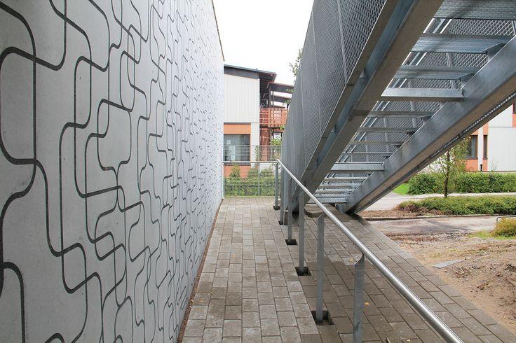 Omenamäenkatu 5, Helsinki, Finland (housing). Architect: Arkkitehtitoimisto Helamaa ja Pulkkinen Oy, design/graphics: Suunnittelutoimisto Amerikka prefabrication: Ämmän Betoni Oy.