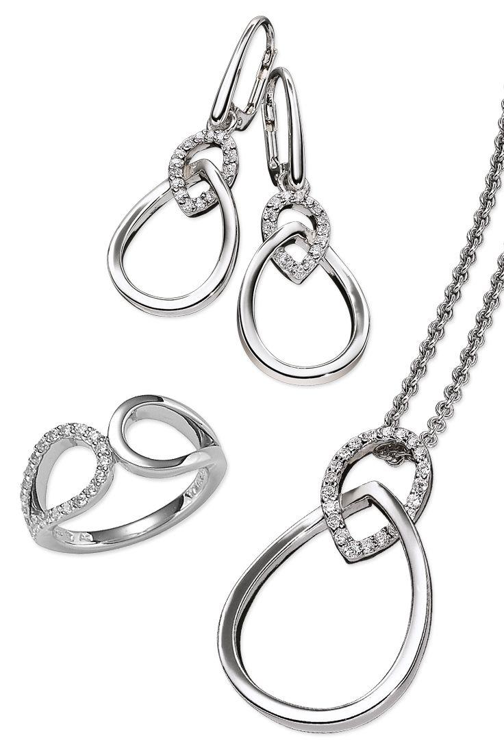 Diese Glanzstücke wurden durch zahlreiche Zirkonia-Elemente vollendet, welche sich perfekt in eine Fassung aus hochwertigem Sterling Silber schmiegen.