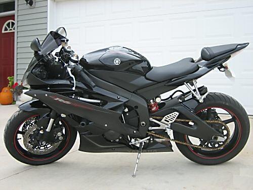 _Yamaha_Yzf_R1_1000_Sport_Bike_Street_Bike.jpg