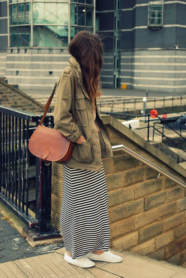 2015春夏♪30代女子用!大人かわいいロングスカートとスニーカーのコーデの16枚目の写真 | マシマロ
