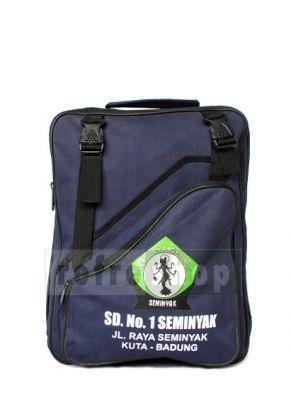 TSK3 menjadi kode dar tas yang di pakai untuk siswa-siswi SD ini. Bila Anda memesannya, bisa di tambahkan logo sesuai dengan instansi atau sekolah Anda sesuai dengan selera.