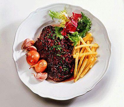 Notre recette de steak minute à la française est toute simple et rapide à cuisiner. C'est bon à s'en lécher les doigts.