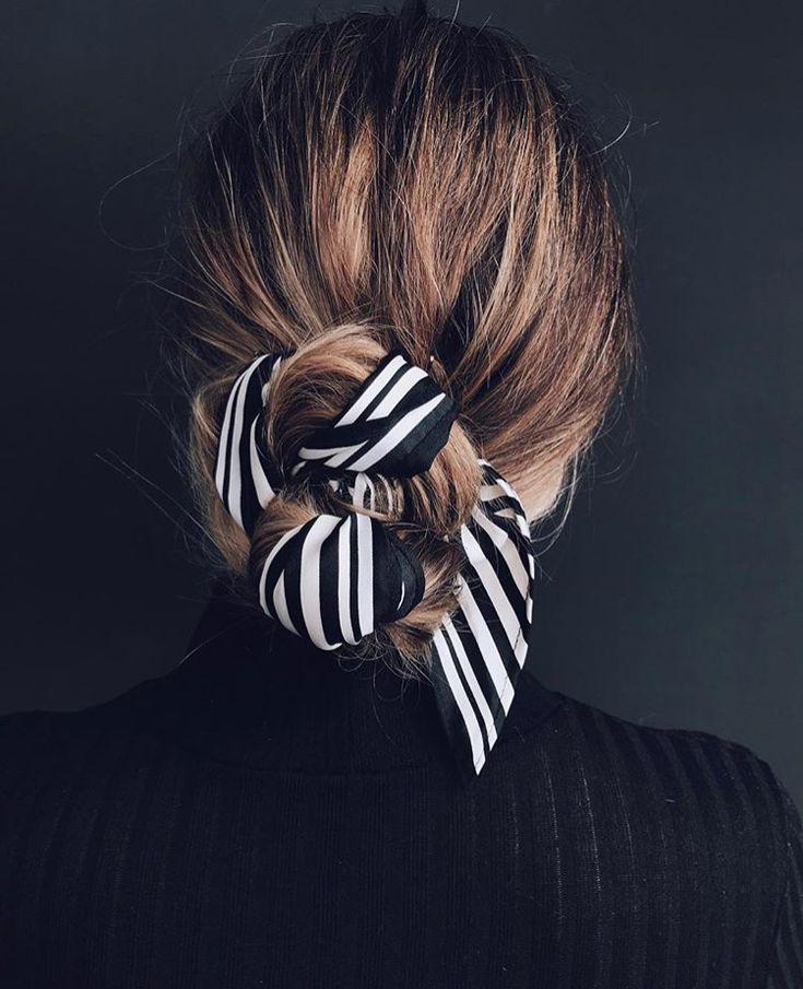 Navy stripes tied with hair