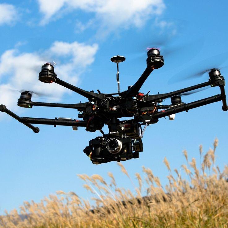 Seguro Responsabilidad Civil Drones cubre: La responsabilidad legal del Asegurado con terceros que surge por la propiedad, operación o uso del Sistema aéreo no tripulado