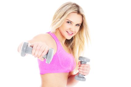 Co kobieta powinna zabrać ze sobą na siłownię