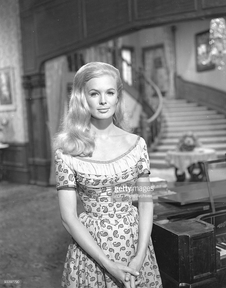 VALLEY - 'The Great Safe Robbery' 10/21/66 Linda Evans