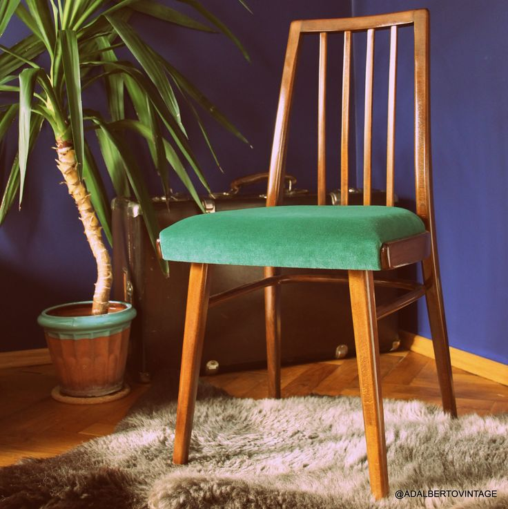 Krzesło z najstarszej działającej fabryki mebli giętych TON w Bystrice pod Hostynem  #redesigned by adalbertovintage