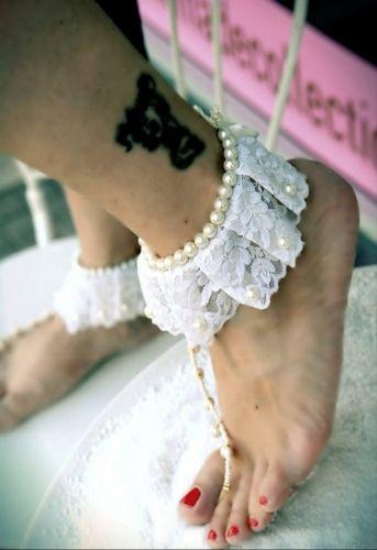 Χειροποίητο νυφικό barefoot στολισμένο με πέρλες και δαντέλα  http://handmadecollectionqueens.com/Νυφικα-barefoot-με-περλες-και-δαντελα  #handmade   #fashion   #wedding   #bridal   #barefoot #women   #storiesforqueens
