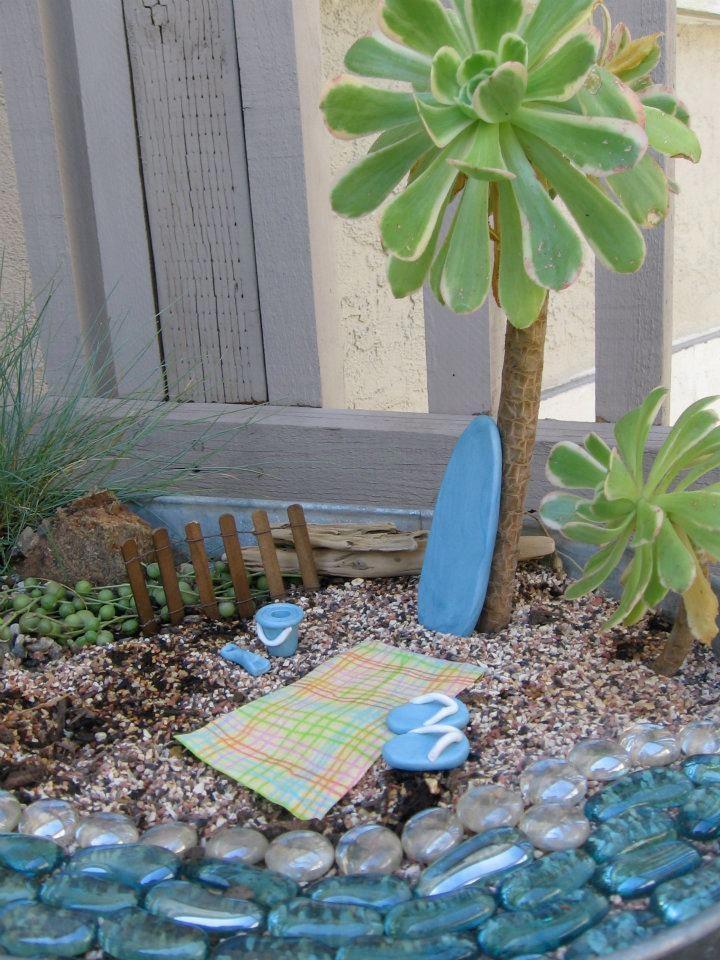 1000 images about beach themed fairy gardens on pinterest for Miniature fairy garden ideas