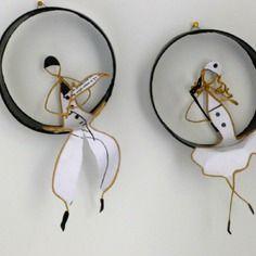 Pierrot et colombine - figurines en ficelle de kraft armé et papiers originaux
