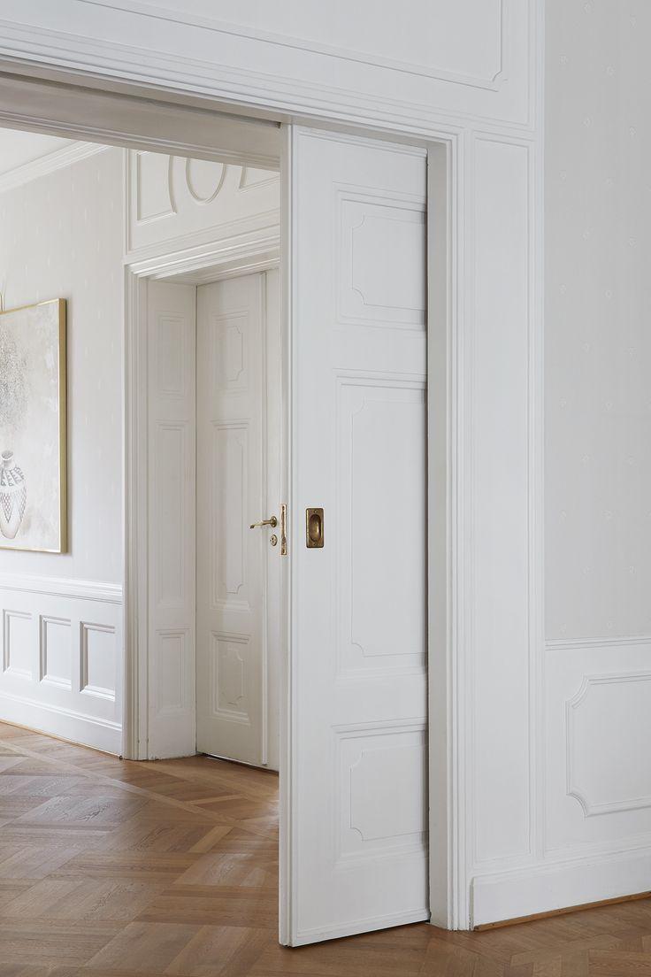 Sliding door. Stucco. Scandinavian interior. Fantastic Frank Real Estate.