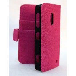 Upea hot pink keinonahkainen lompakko suojakotelo Lumia 620:n. Kotelossa on kolme korttipaikkaa ja setelitasku.