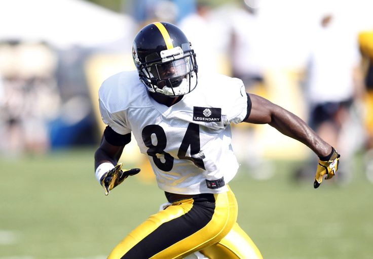 Pittsburgh Steelers wide receiver Antonio Brown participates during training camp drills at Saint Vincent College.