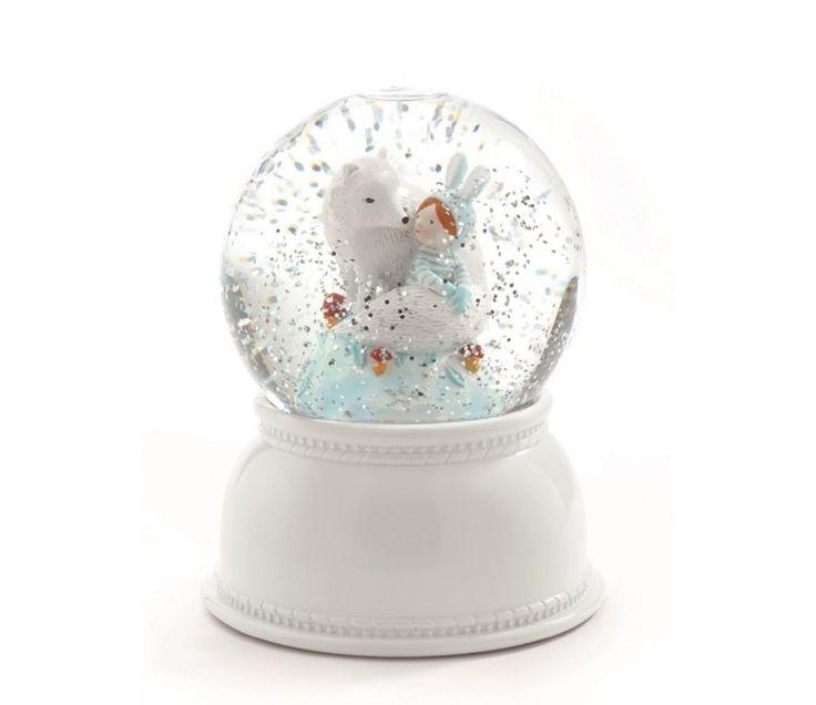Nattlampe, hvit rev i snøkule med glitterflak