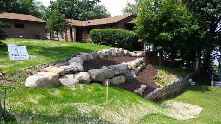 Best 25+ Boulder retaining wall ideas on Pinterest | Rock ...