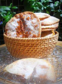 Estuve investigando sobre las tortas de aceite que se consumen aquí en España, en Sevilla, siendo las mas importantes, hechas artesanalmen...